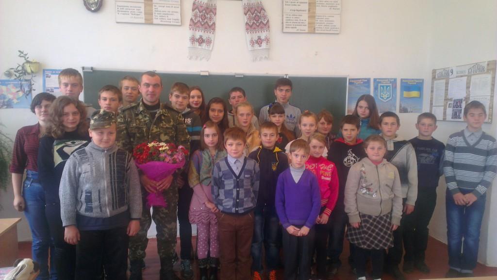 IMAG0868 1024x577 Зустріч учнів школи  з учасником АТО