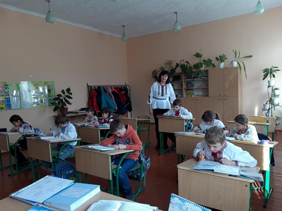 3 клас Міжнародний день рідної мови у Пологівському НВК